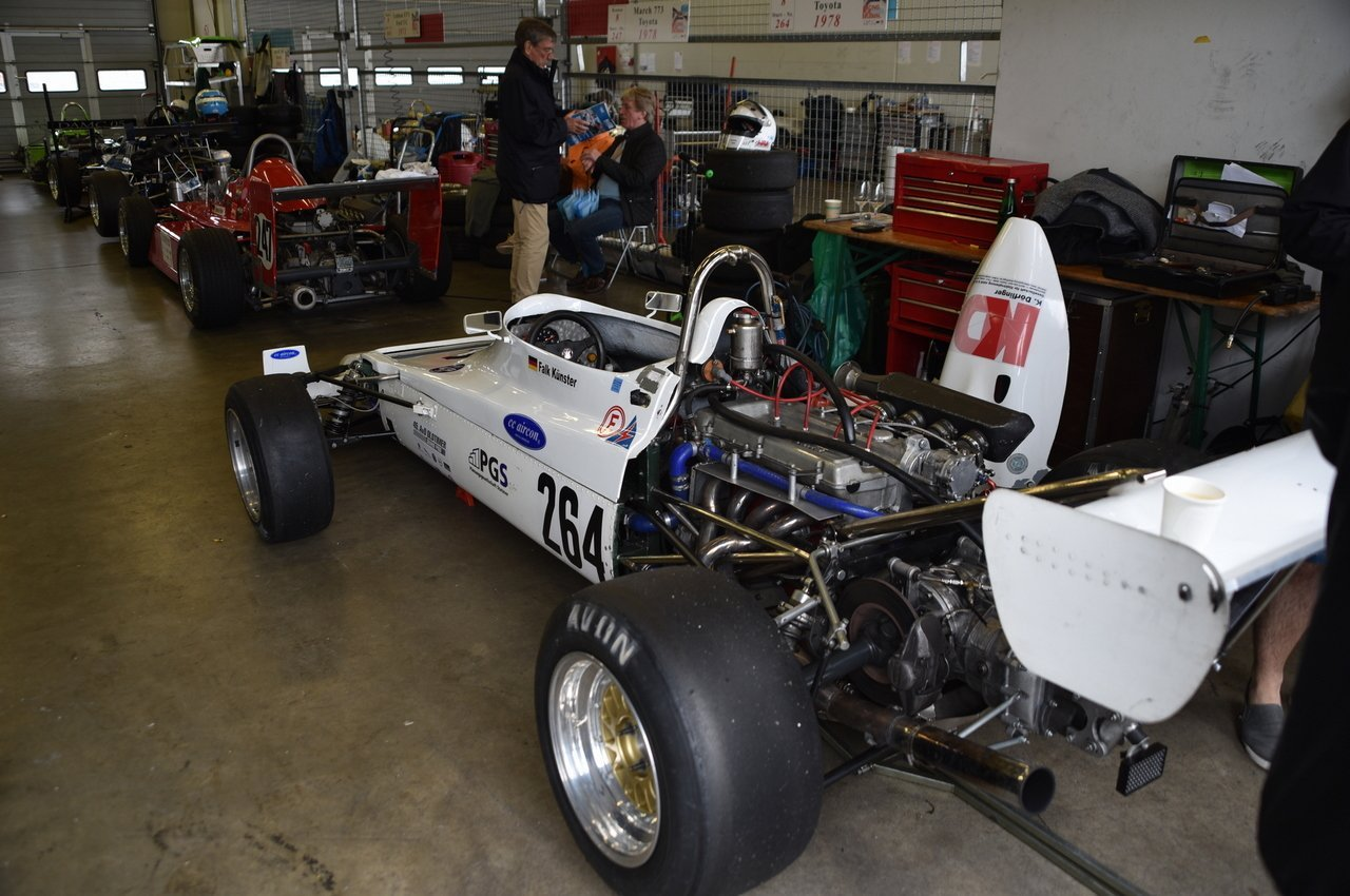 Formel 3 Fahrzeug in der Box