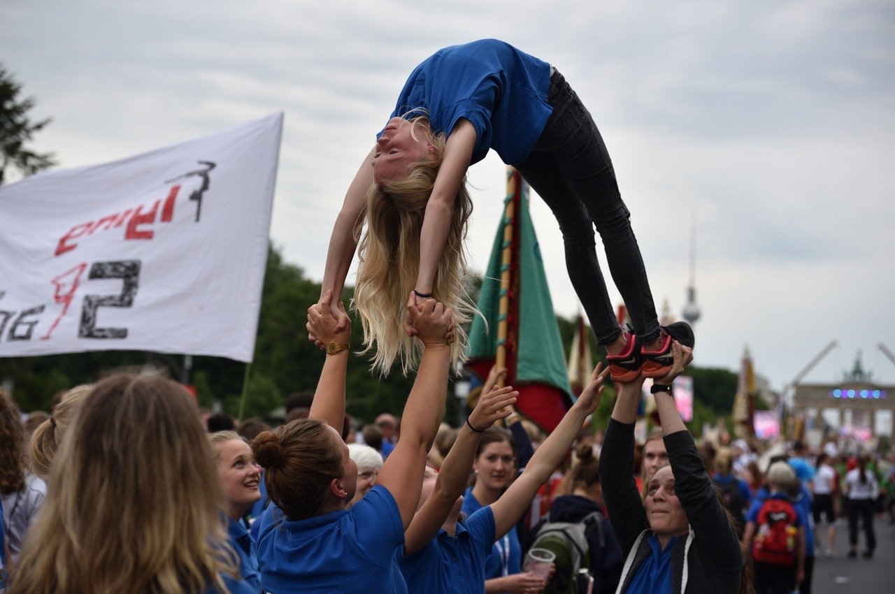 Handstand-Bruecke