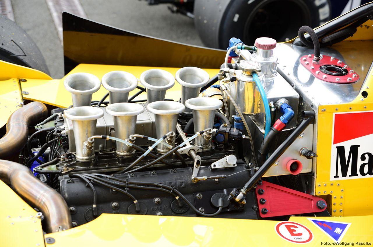 Cosworth 3-liter V8 Motor